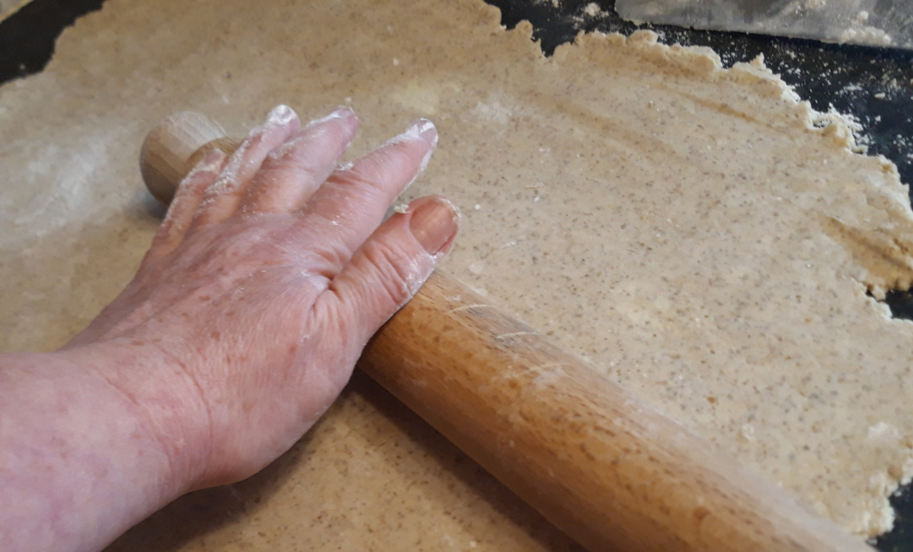 how to make pastry with wholemeal - rolling out the pastry